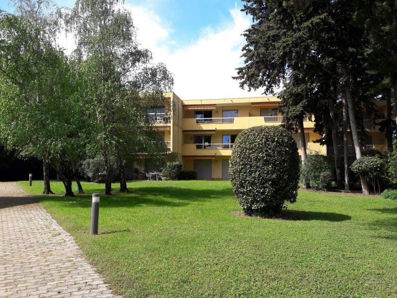 Vista esterna della casa vacanze Affitto Appartamento 114308 Antibes