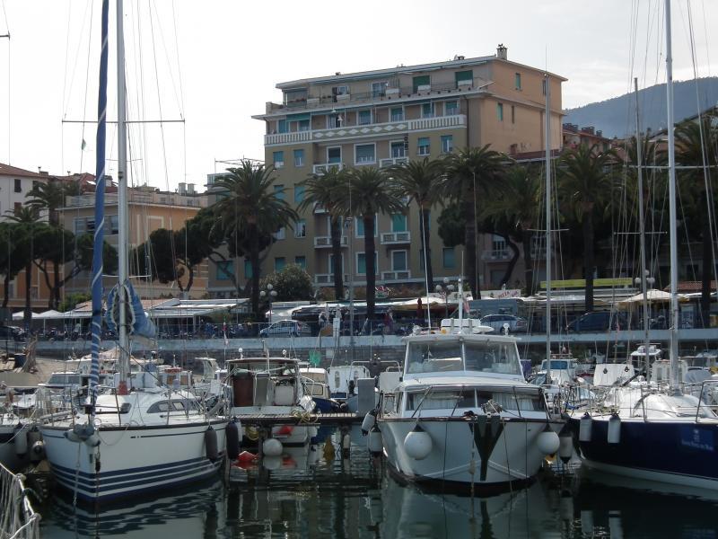 Vista esterna della casa vacanze Affitto Appartamento 64571 Sanremo