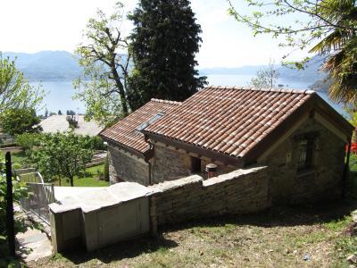 Vista esterna della casa vacanze Affitto Chalet 71126 Maccagno