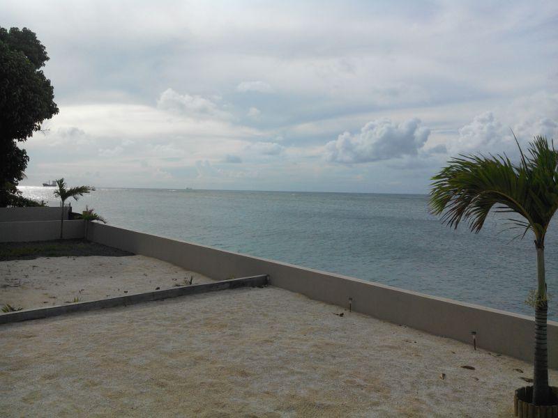 Vista dalla casa vacanze Affitto Villa  86489 Baie du tombeau