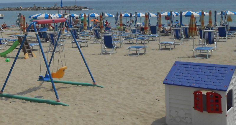 Spiaggia Affitto Appartamento 97919 Taggia