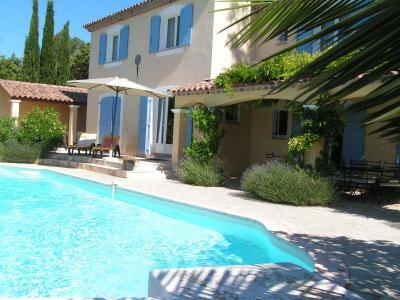 Vista esterna della casa vacanze Affitto Villa  98164 Carc�s