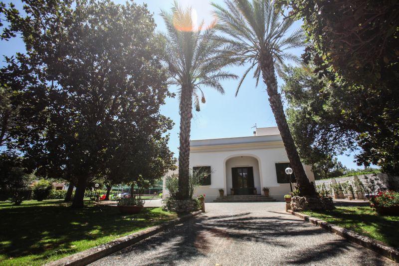 Entrata Affitto Villa  104568 Lecce