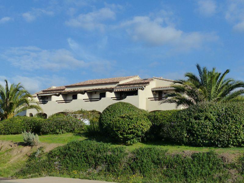 Vista esterna della casa vacanze Affitto Appartamento 106829 Porticcio