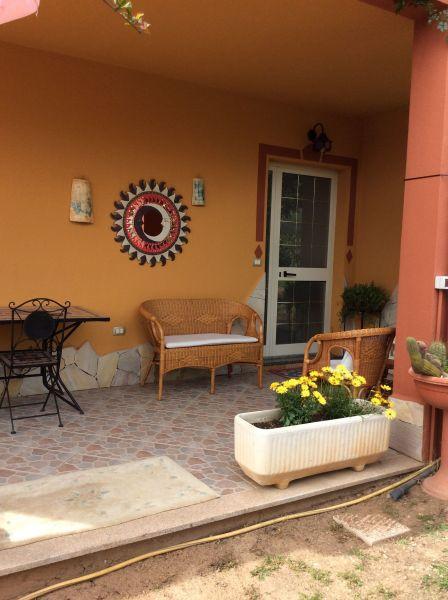 Vista esterna della casa vacanze Affitto Appartamento 108726 Domus de Maria