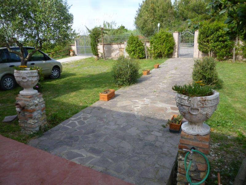 Entrata Affitto Villa  108856 Rosignano Marittimo
