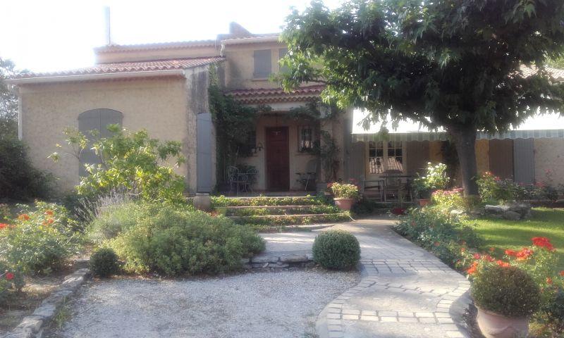 Vista esterna della casa vacanze Affitto Villa  110556 Alleins