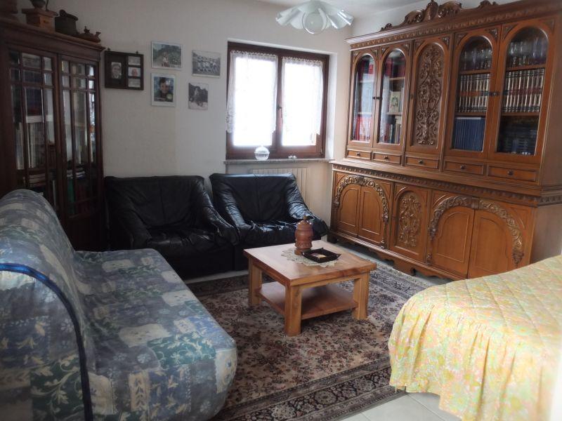 Salotto Affitto Villa  112722 Pila