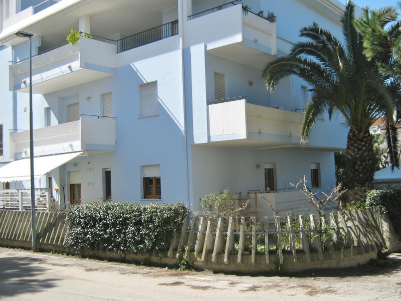 Vista esterna della casa vacanze Affitto Appartamento 77121 Tortoreto