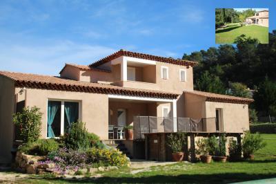 Vista esterna della casa vacanze Affitto Villa  82417 M�ounes-l�s-Montrieux