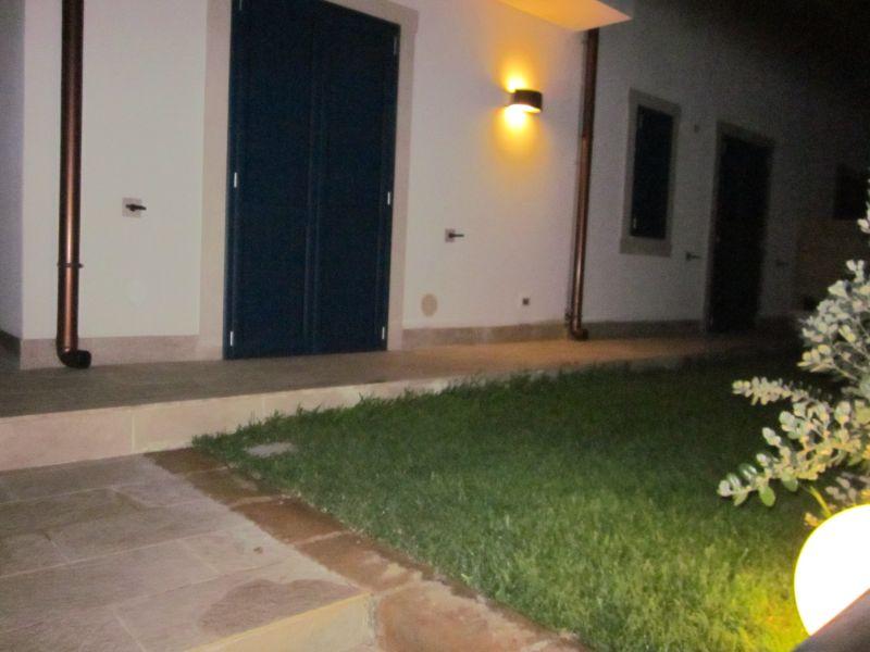 Affitto Villa  97035 Noto