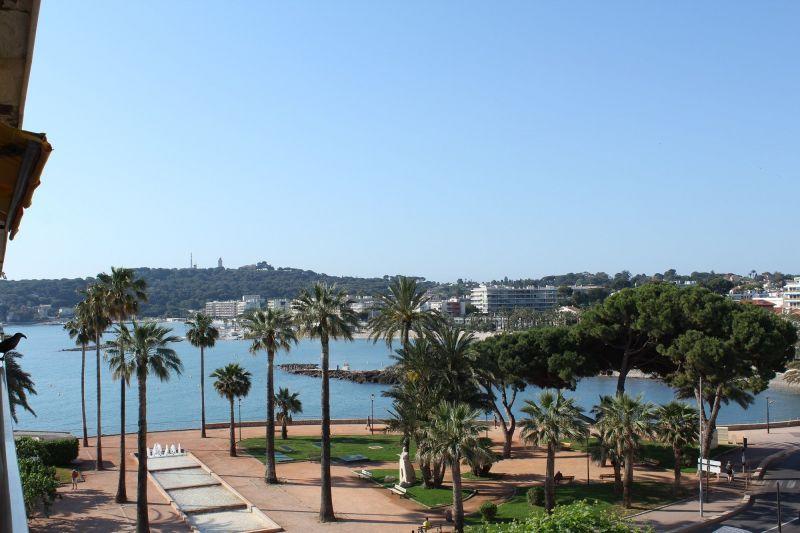 Vista dal terrazzo Affitto Monolocale 98215 Antibes
