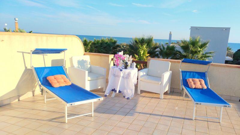 Vista dal terrazzo Affitto Villa  101711 Tre Fontane