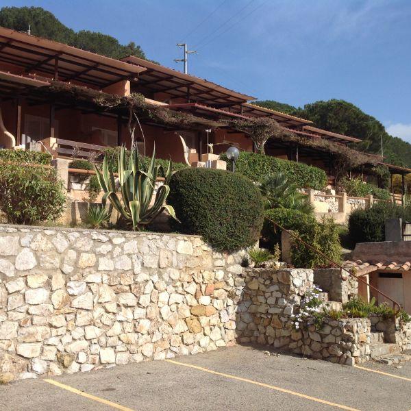 Vista esterna della casa vacanze Affitto Monolocale 108721 Porto Azzurro