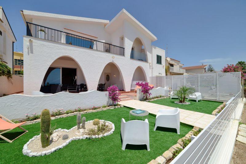 Vista esterna della casa vacanze Affitto Villa  116102 Marina di Ragusa