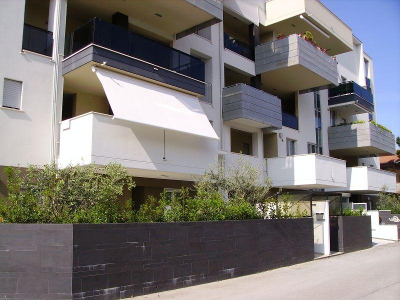 Vista esterna della casa vacanze Affitto Appartamento 118596 Alba Adriatica