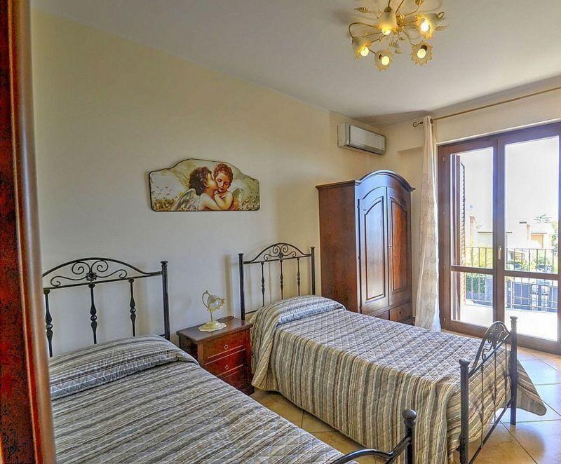 Camera 5 Affitto Villa  118677 Trecastagni