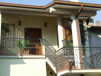 Vista esterna della casa vacanze Affitto Appartamento 79651 Terni