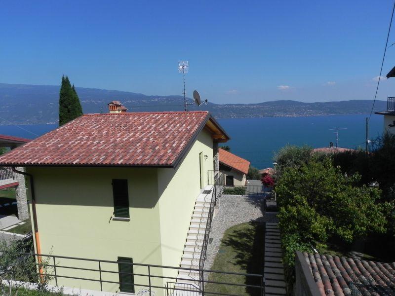 Vista esterna della casa vacanze Affitto Appartamento 80837 Toscolano-Maderno