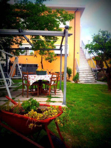 Vista esterna della casa vacanze Affitto Appartamento 94203 Diano Marina