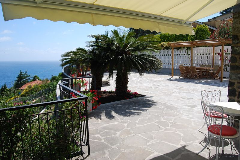 Veranda Affitto Villa  100451 Levanto