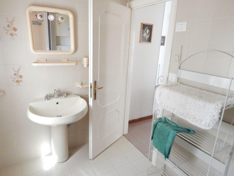 Bagno Affitto Appartamento 109901 San Menaio