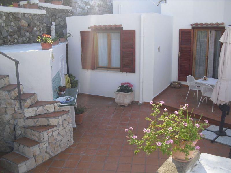 Vista esterna della casa vacanze Affitto Villa  113425 Ponza