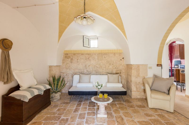 Salotto Affitto Villa  118208 Ostuni