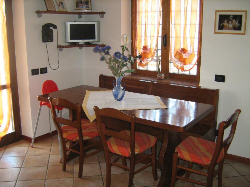 Sala da pranzo Affitto Appartamento 69089 Caprino Veronese