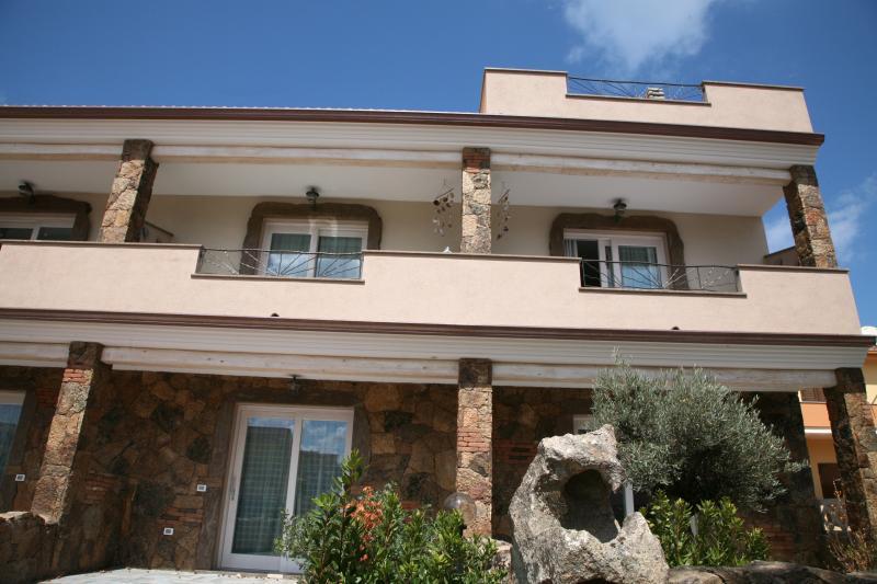 Vista esterna della casa vacanze Affitto Appartamento 81461 Castelsardo