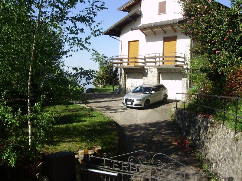 Vista esterna della casa vacanze Affitto Appartamento 88904 Maccagno