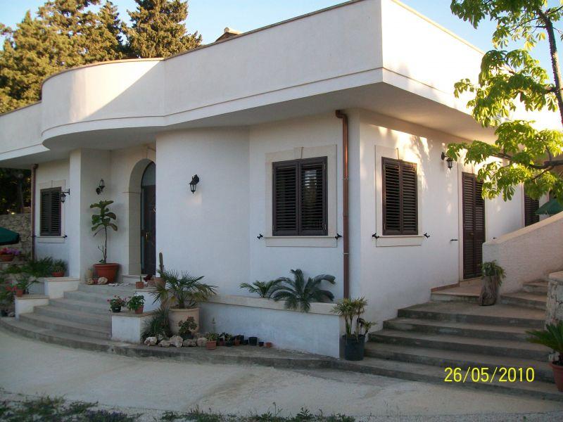 Vista esterna della casa vacanze Affitto Villa  94530 Avola