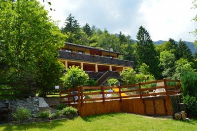 Vista esterna della casa vacanze Affitto Appartamento 95164 Ledro